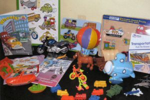 Includes activity guide, ocean explorer, miniatures, picture cards, hot air balloon beanbag and counters.